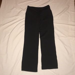 BCG spandex boot cut pants with pockets.
